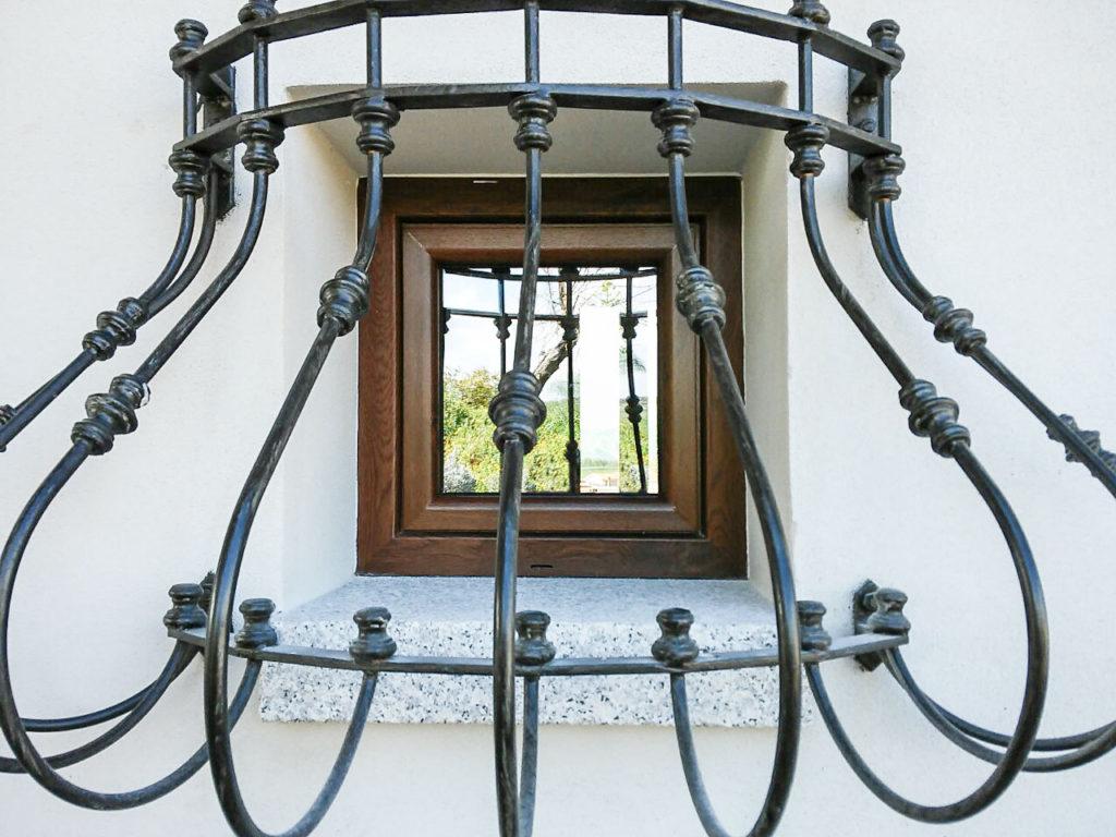 Sa ventana infissi - Finestra PVC con gratta